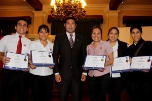 •Seis locales de KFC recibieron el reconocimiento de la Municipalidad de Miraflores