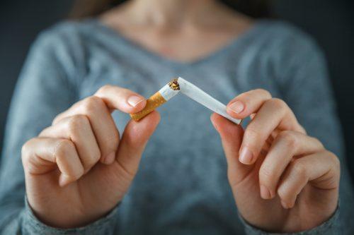 ¿A qué edad y por qué se empieza a fumar en el Perú?