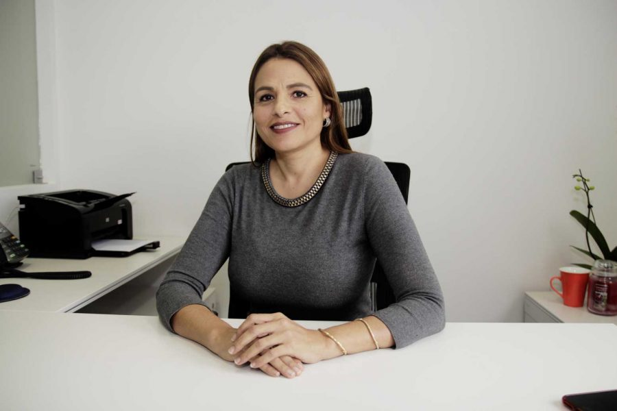 ROSA MARÍA VÁSQUEZ, GERENTE GENERAL DE LA CLÍNICA SAN FELIPE